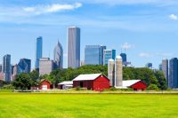Red Barn with Chicago Skyline in Background used for Find Insurance Agents in Illinois, Best Car Insurance in Illinois and Best Home Insurance in Illinois web pages on ValChoice.com