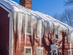 Image showing a home with an ice dam problem